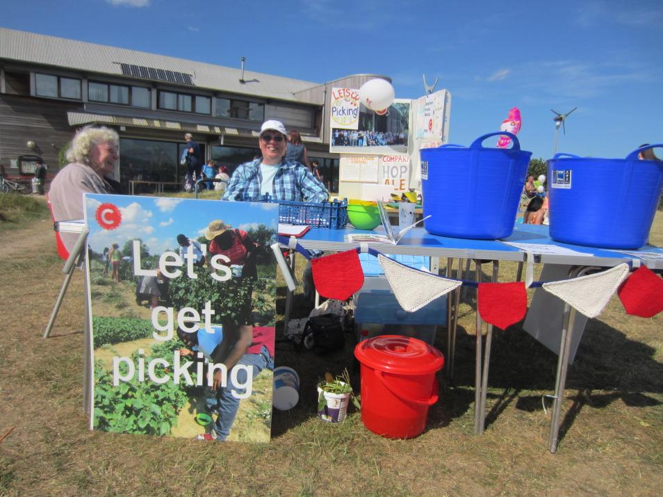 Drop-in Picking Workshop and Walk, Eastbrokkend Country Park